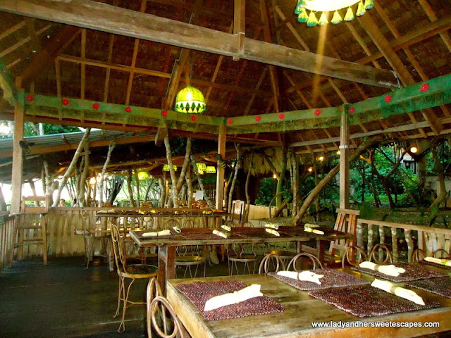 restaurant at Bohol Bee Farm