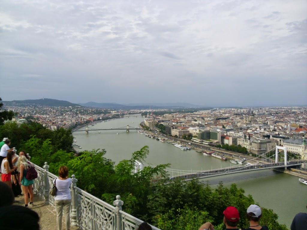 Vista das pontes de Budapeste