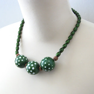 GalleriaLinda Emerald Green Polka Dot Neckace with Vintage Beads