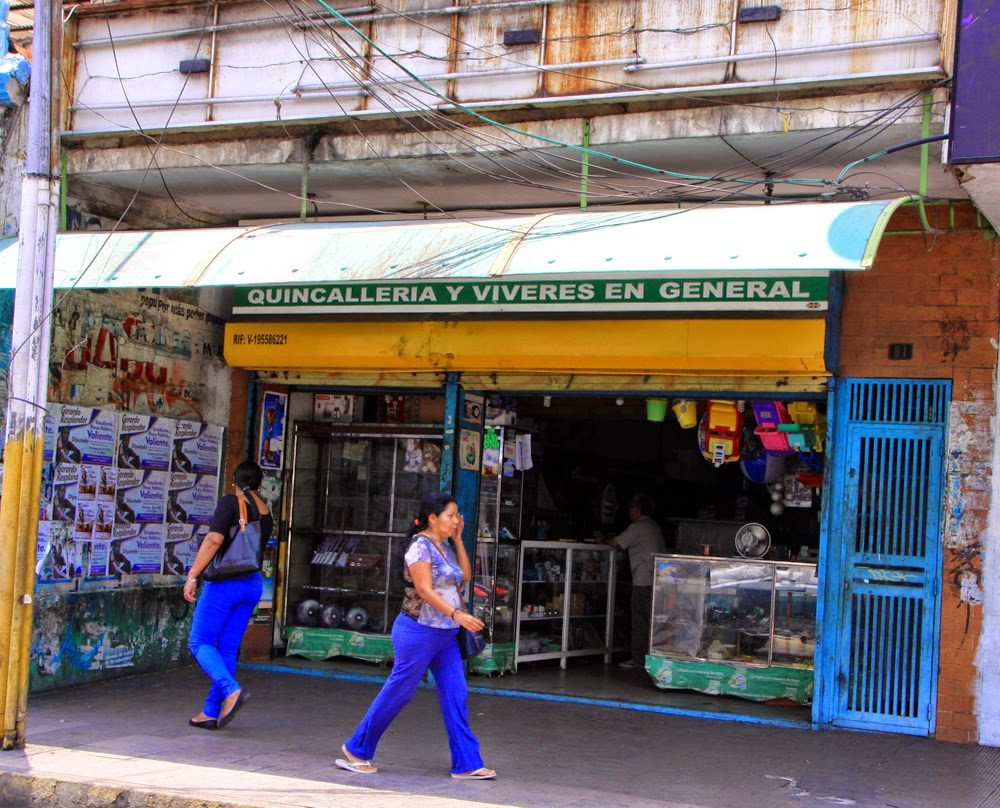 Magglio ord ez alcalde del municipio sotillo alcald a for Fachadas de locales de comida rapida