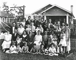 WILLIAM P. NEELD FAMILY PORTRAIT 1924 TBT