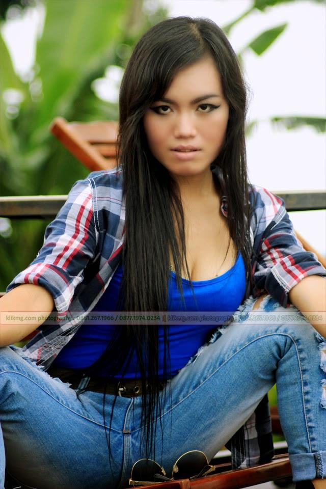 Daily Casual Relax Chintya Ayunie Model Purwokerto / Model Banyumas / Model Indonesia