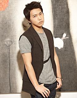 QUEENBEE: [Photos] Super Junior boys with black hair! ^o^ Eunhyuk 2012 Black Hair
