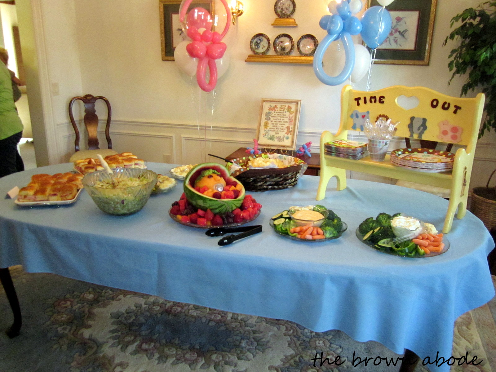 the brown abode It s Baby Time Uni baby shower decor