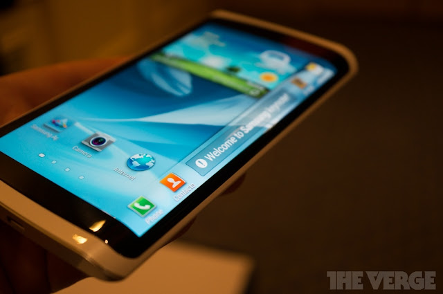 2013 Samsung Introduce The Prototype Flexible OLED Phone