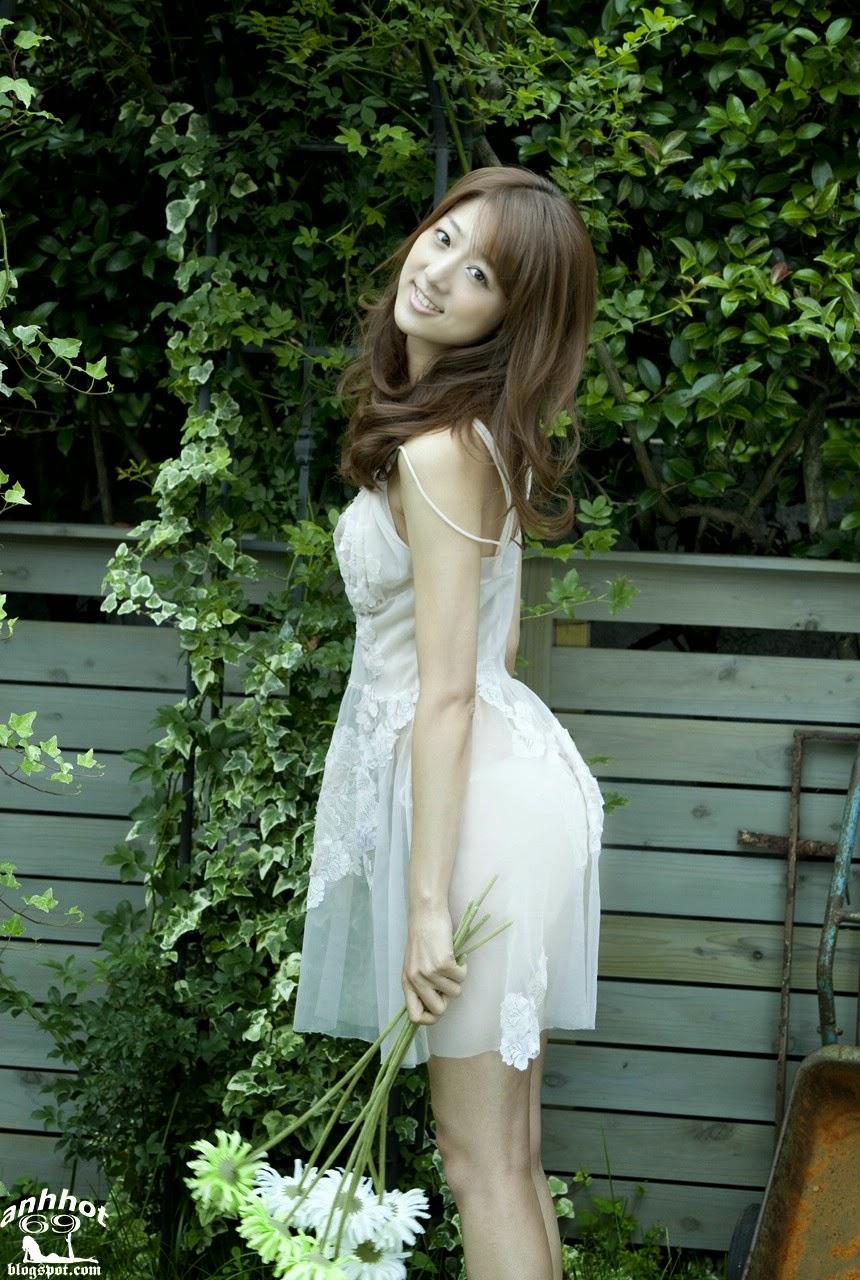 moyoko-sasaki-01425836