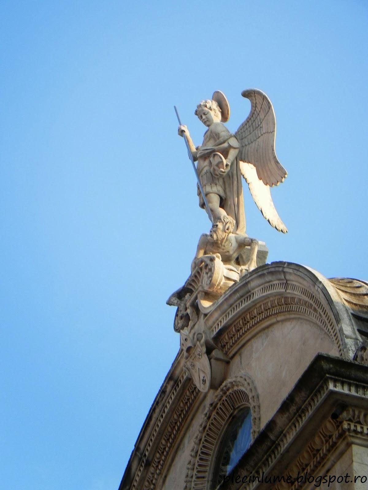 Statuia Sfantului Mihail omorand demonul, Sibenik