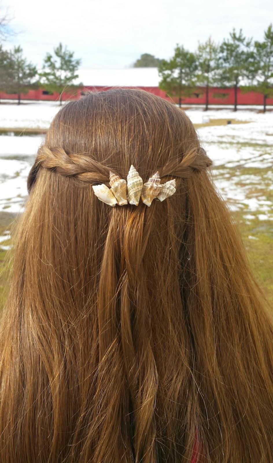 Dress me a story diy mermaid inspired seashell hair for Seashells for hair