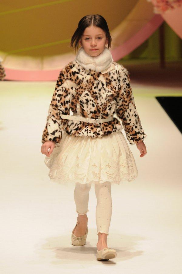 Galerry kid fashion video