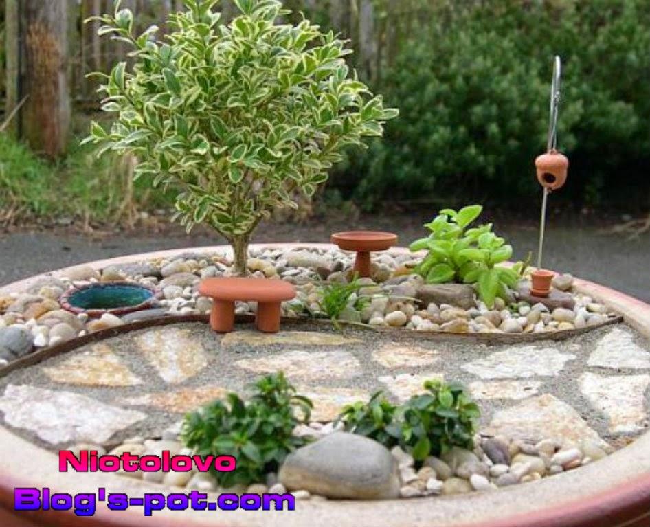 desain taman bergaya miniatur khusus berlahan kecil