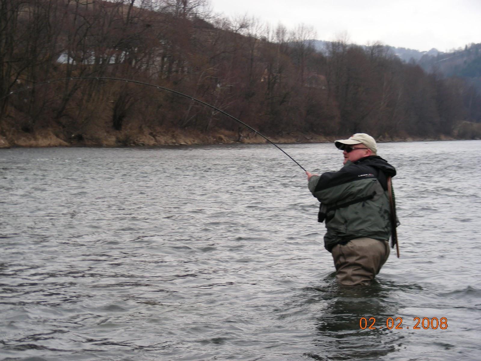 река назия рыбная ловля  осенью