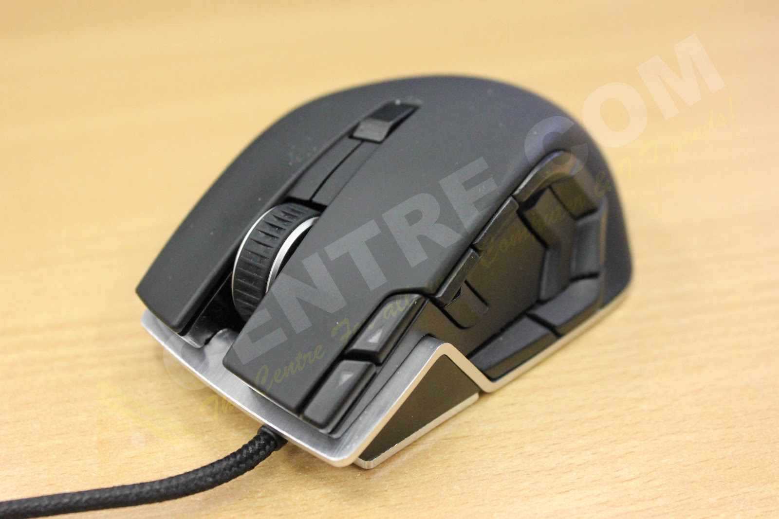 Keyboard overview of the Corsair Vengeance K60 and M60 mouse