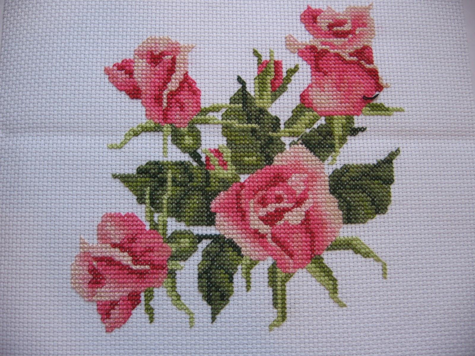 схема декоративной подушки в виде розы.