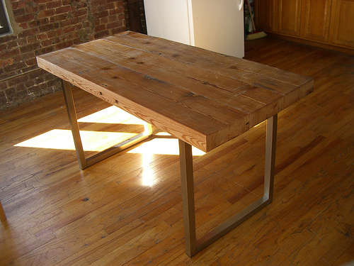 Seaseight Design Blog: DESIGN // RAW WOOD TABLE