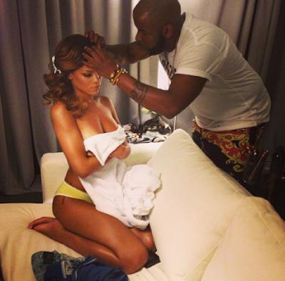 Rihanna poste une photo d'elle en topless sur Instagram !