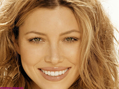 Jessica Biel HQ Wallpaper smile