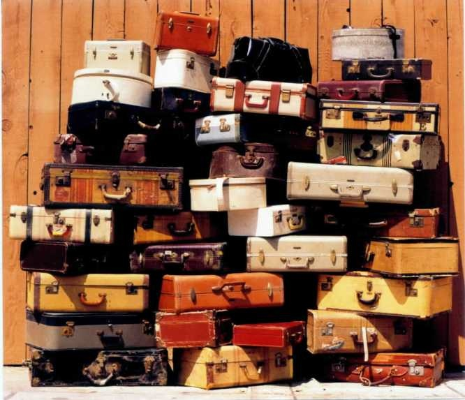 Janette 39 s sage time to run and set down my suitcases for What to do with vintage suitcases