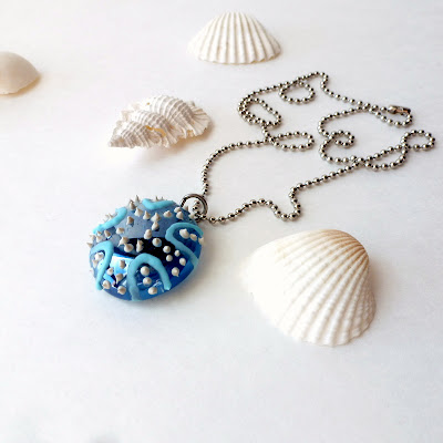painted-glass-sea-urchin-jewelry-diy