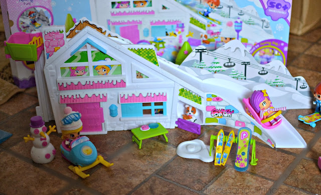Pinypon Snow Ski Lodge Playset #Giveaway