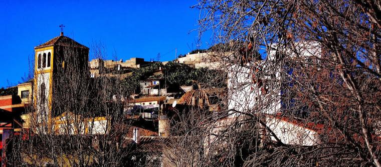 Vista de la Iglesia y Castillo de Nogalte