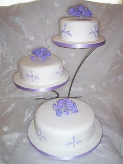 Elegant 3 Tier Wedding Cake stands