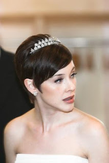 best wedding veils for short hair