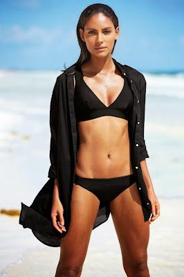 Emanuela de Paula hot cleavage sexy bikini