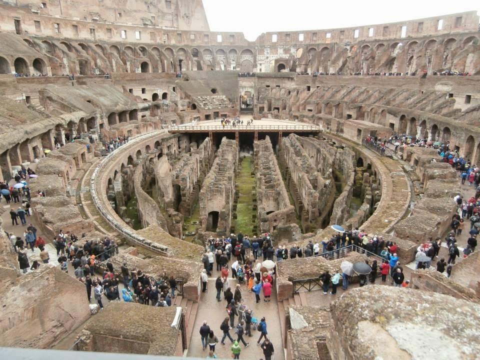 Coliseo de Roma, data del Siglo I y es una de Las Siete Maravillas del Mundo Moderno