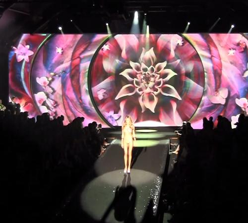Calzedonia látvány show - Calzedonia fürdőruha divatbemutató