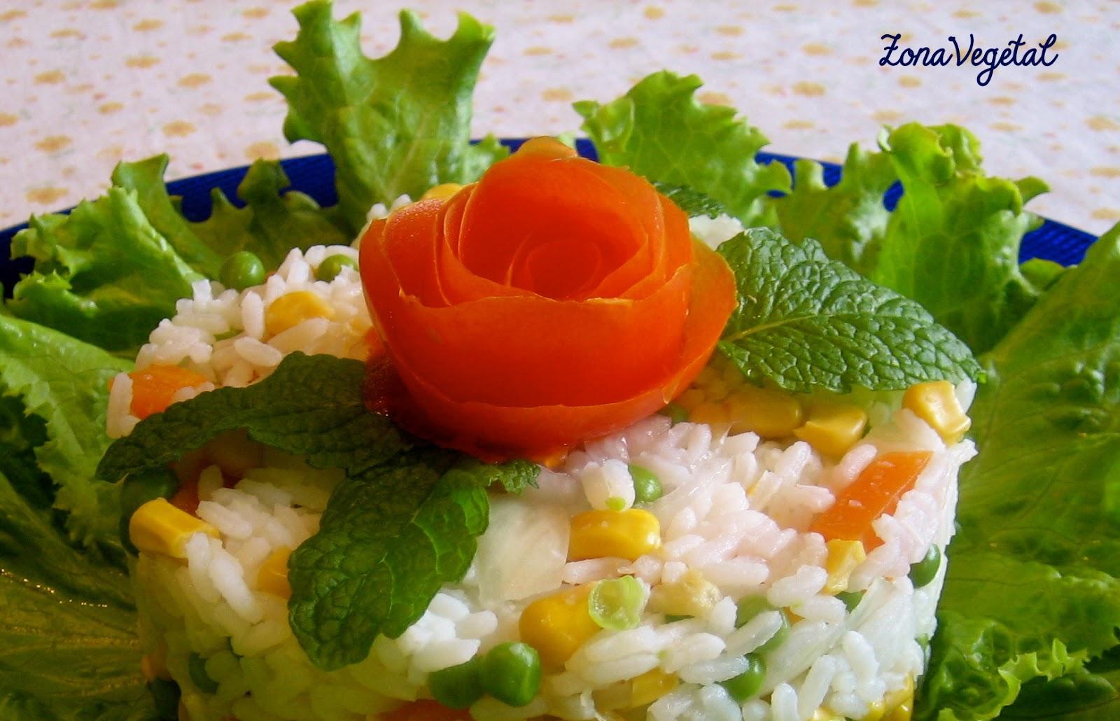 Zonavegetal ensalada de arroz for Decoracion de ensaladas