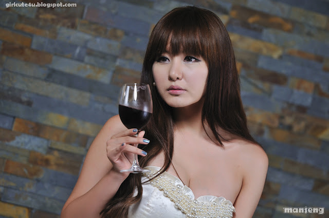 3 Ryu Ji Hye-Strapless bubble Mini Dress-very cute asian girl-girlcute4u.blogspot.com