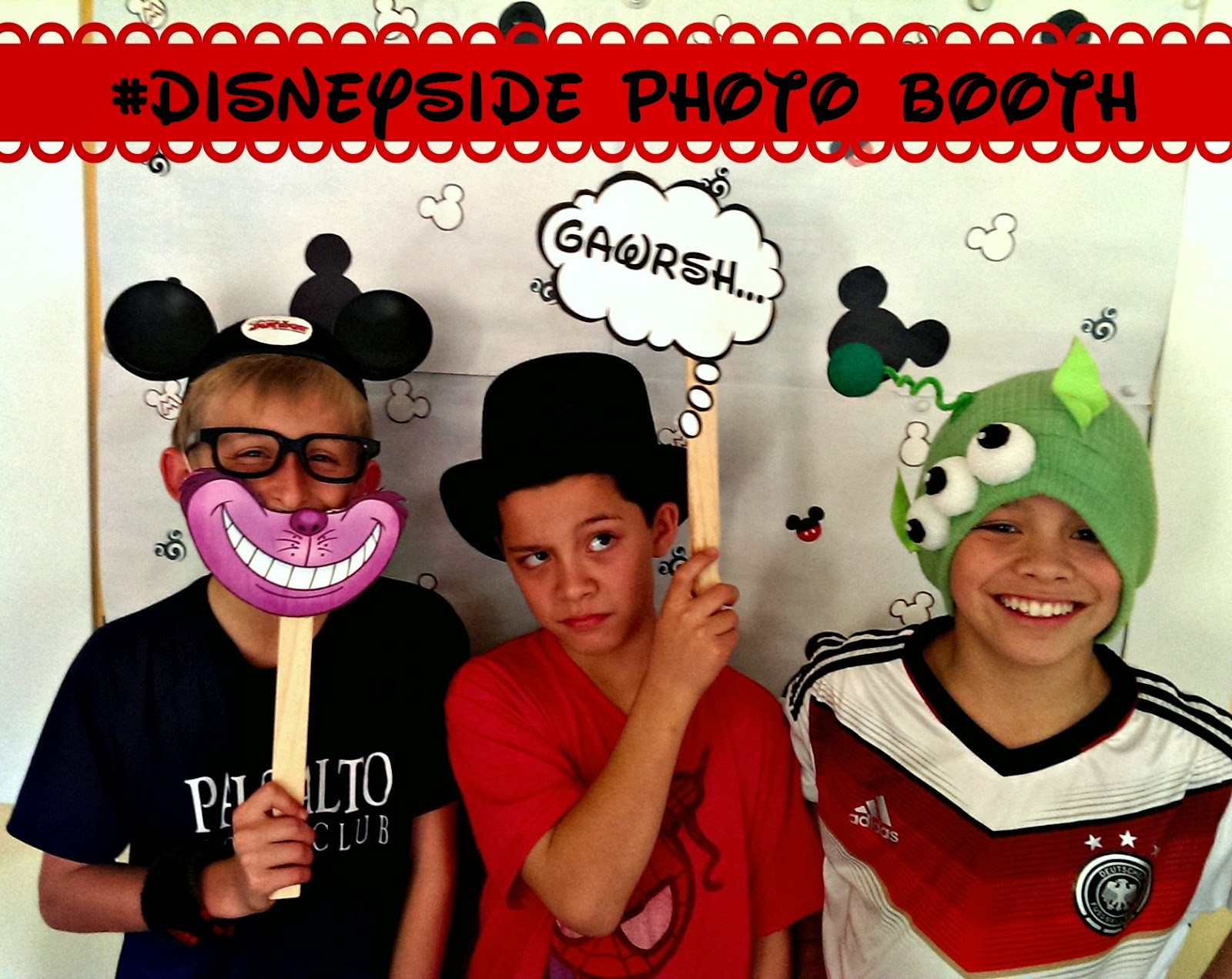 #DisneySide @Home celebration: Mickey photo booth
