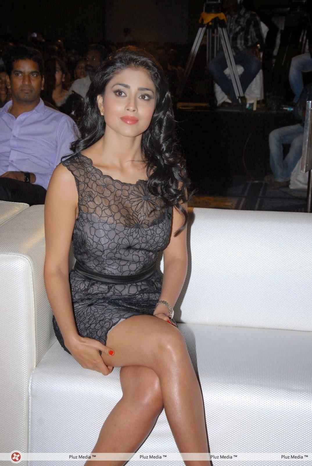 Shriya Saran black bra