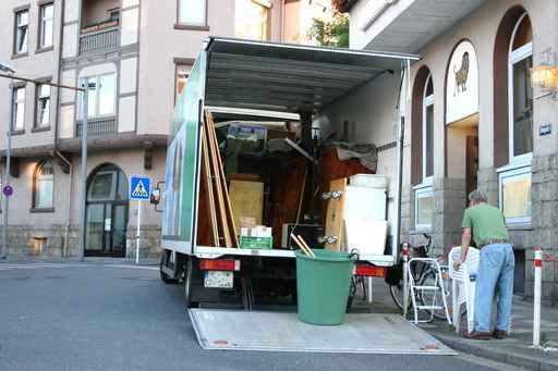 Recogida de muebles y enseres en segovia vaciado de pisos for Recogida muebles