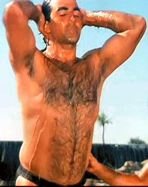 Exclusive Top Pix: Akshay Kumar Stunning Body Pix
