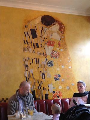 Sowohl Als Auch Berlin Klimt mural