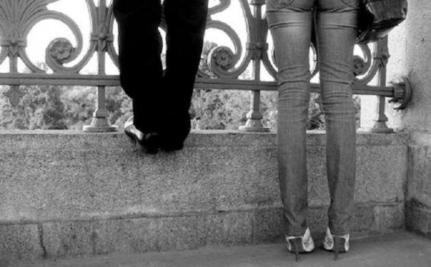 dating a short guy 5 5) ditch the short man attitude one of the worst things that guys can do to  themselves is to get defensive about being short look, i get it:.