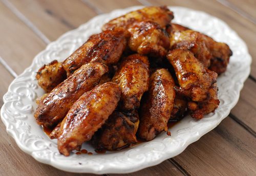 Peppered wings with caramelized soy and blackberry glaze, grilled wings, kamado wings, BGE wings, Grill Dome wings