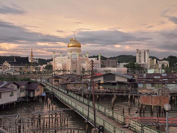 View of masjid Sultan Omar from Sungai Kedayan footbridge