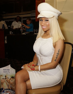 Nicki Minaj white pearl hat