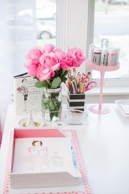 Desk image from WeHeartIt
