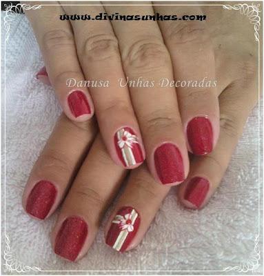 unhas-decoradas-fundo-vermelho-danusa3