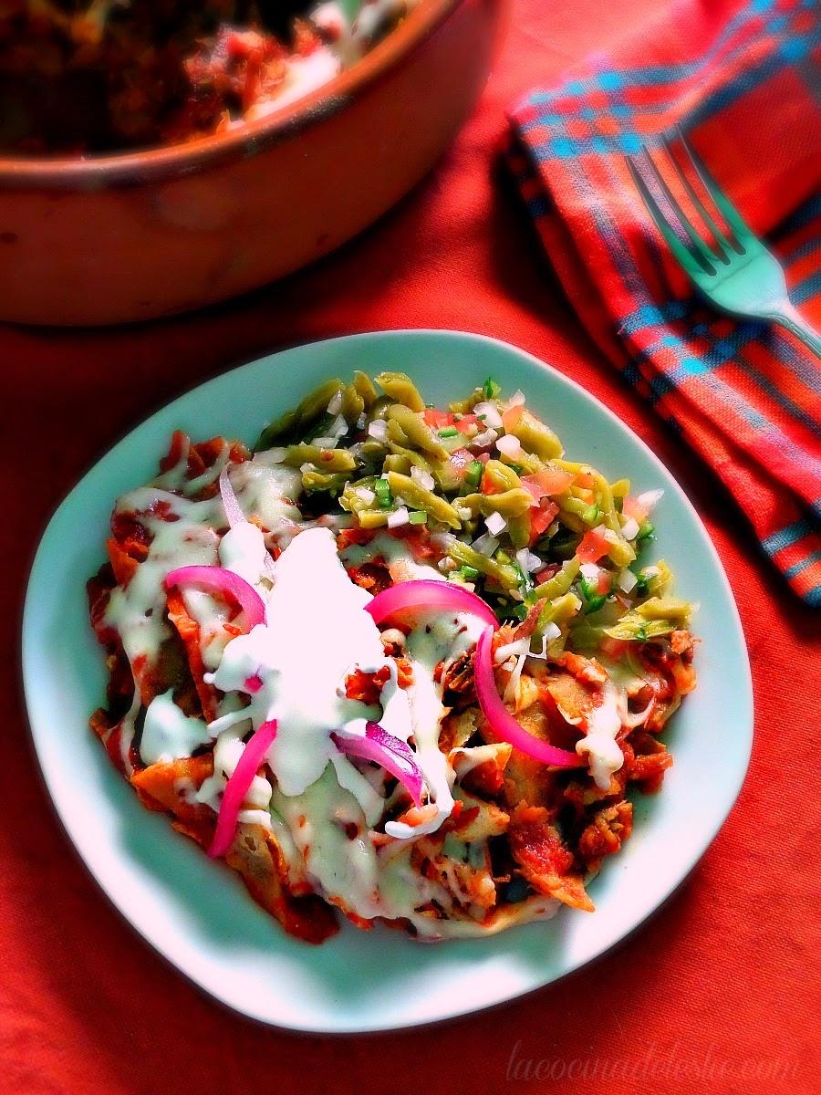 Chilaquiles con Carnitas - lacocinadeleslie.com