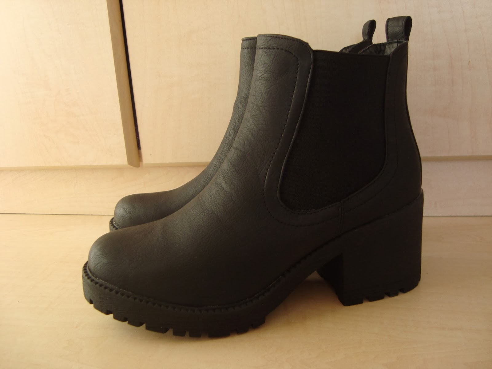 fashion the chunky sole chelsea boots hello teddy