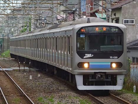 埼京線 各駅停車 池袋行き2 りんかい線70-000形