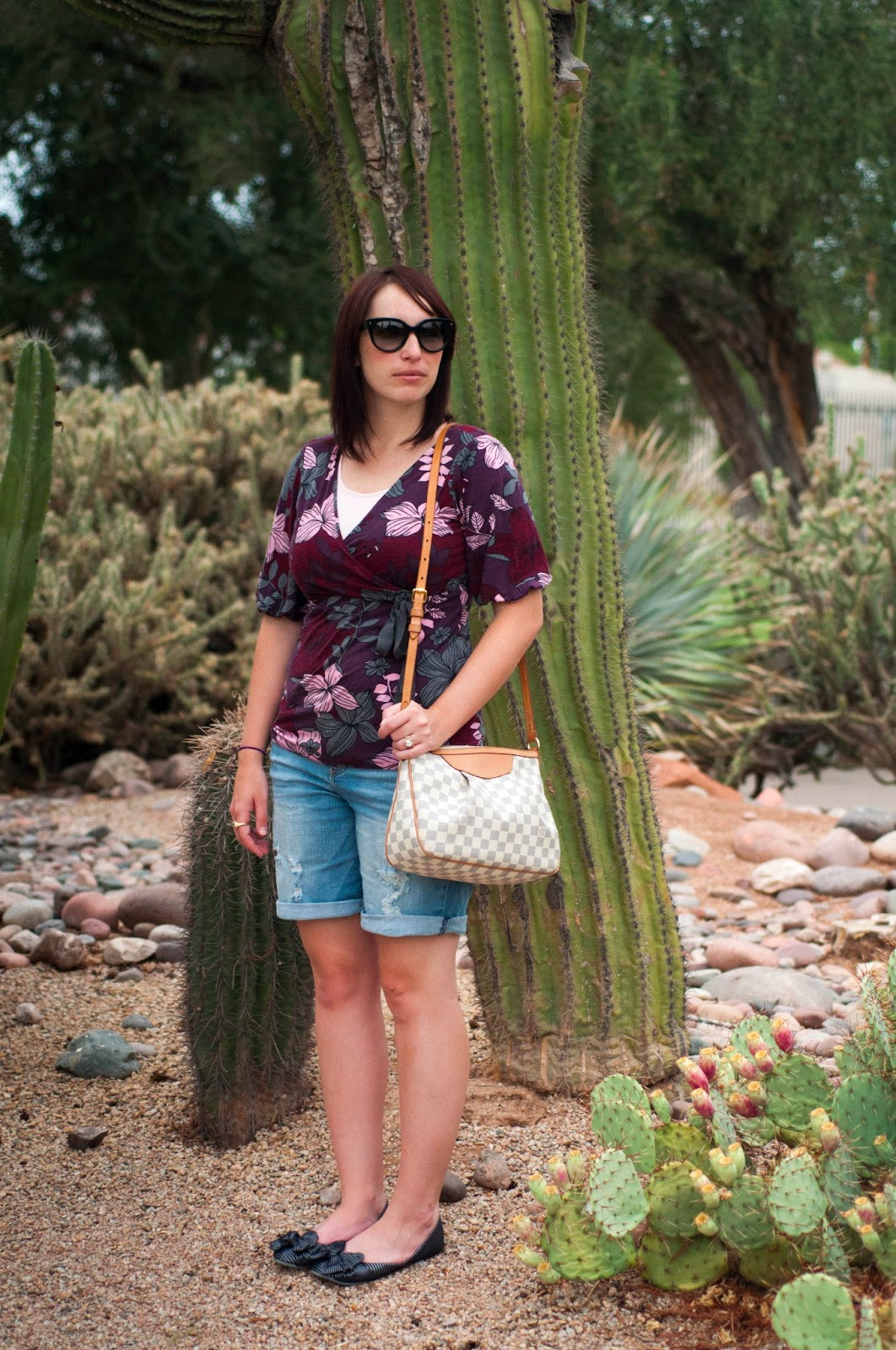 style blog, fashion blog, ootd, louis vuitton white purse, rocket dog bow shoes, karen kane floral shirt, floral shirt, prada cats eye sunglasses