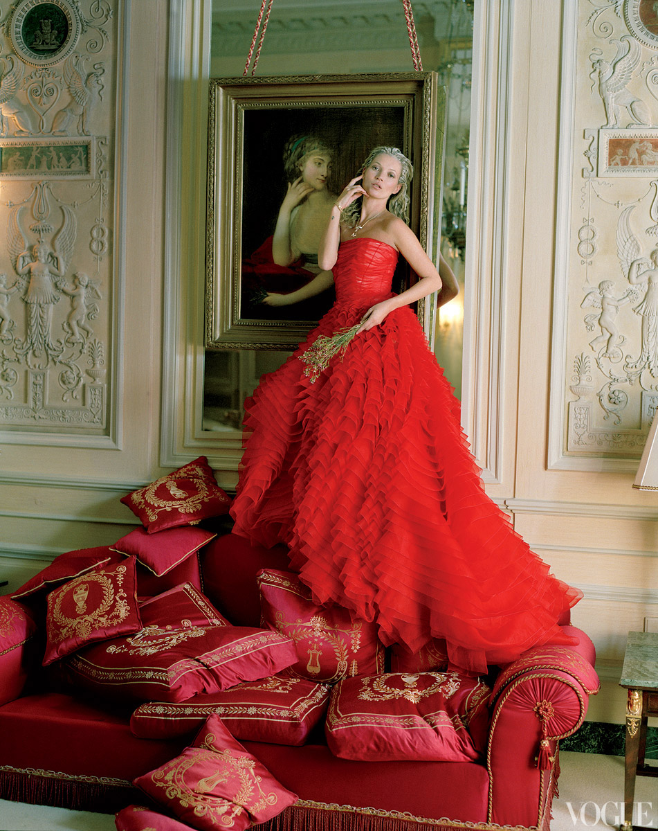 Le fox editorial vogue checking out kate moss at for Loving haute couture