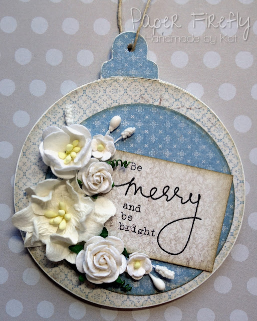 Shabby chic bauble decoration