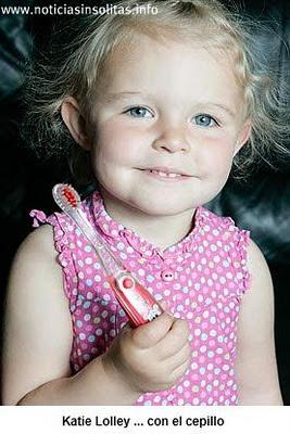 tumor cepillo de dientes niña
