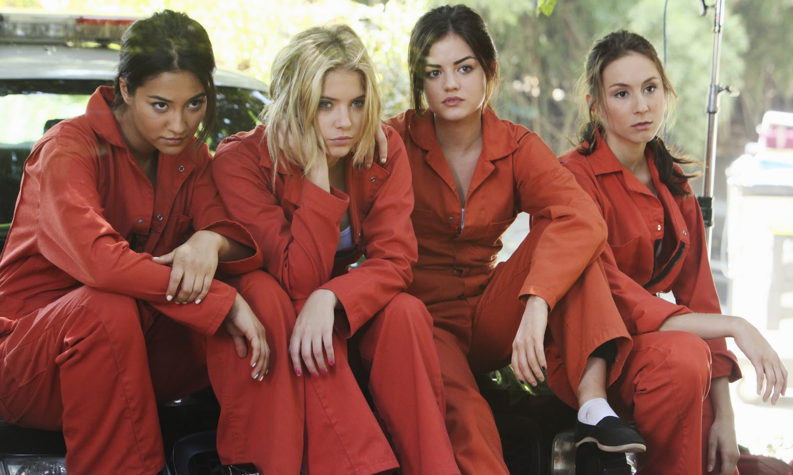 Pretty little liars returns jan 2nd with winter premiere